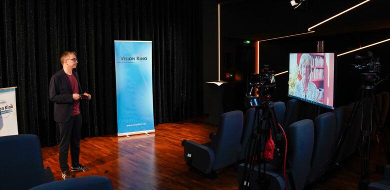 VisionKino21_Tag1-LeopoldGrün-Eröffnungsrede Ramelow_Pressefoto-TristanVostry